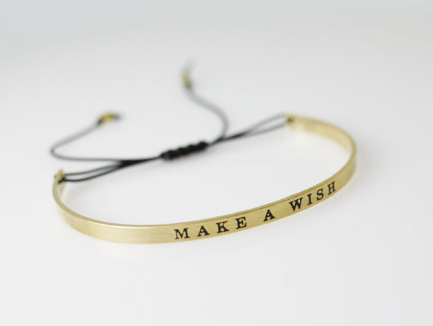 bracelet porte bonheur manchette make a wish chic bijoux. Black Bedroom Furniture Sets. Home Design Ideas