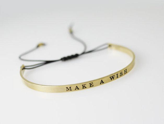 bracelet porte bonheur manchette make a wish bijoux. Black Bedroom Furniture Sets. Home Design Ideas