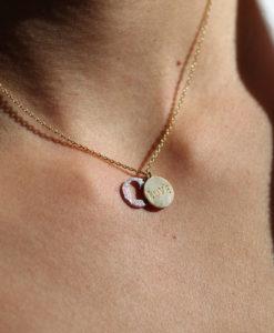 collier amour porte-bonheur dore or