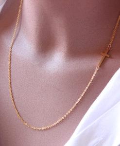 collier croix doré