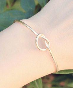 Bracelet noeud or.Bijoux fantaisie pas cher France. Idees cadeaux bijoux femme. Bijoux tendance 2017