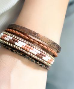 Bracelet multi-tours cuir marron perles rocaille