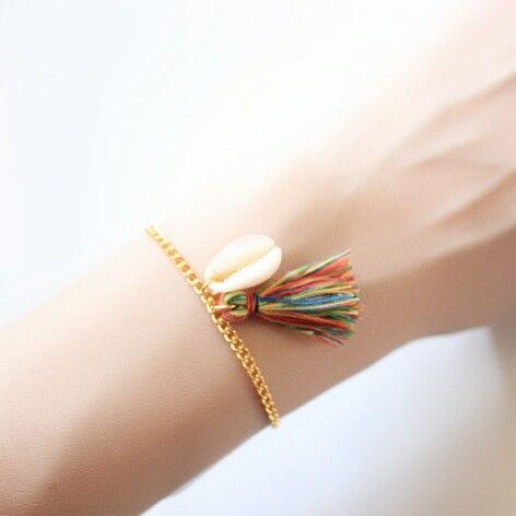 Bracelet coquillage pompon multicolore