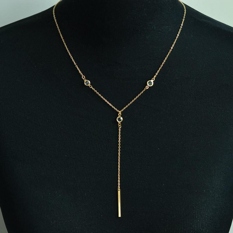 id e cadeau femme collier cristal bijoux fantaisie. Black Bedroom Furniture Sets. Home Design Ideas