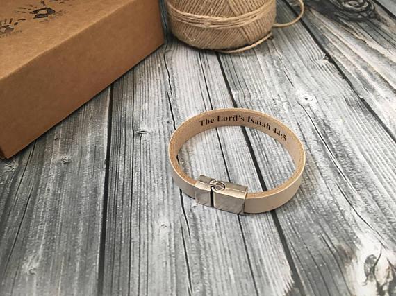 Bracelet avec gravure 1