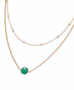 Collier multirangs avec pierre verte