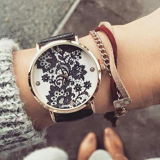 Montre femme pas cher bracelet cuir