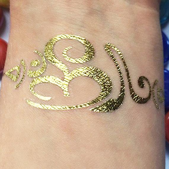 tatouage demi manchette femme