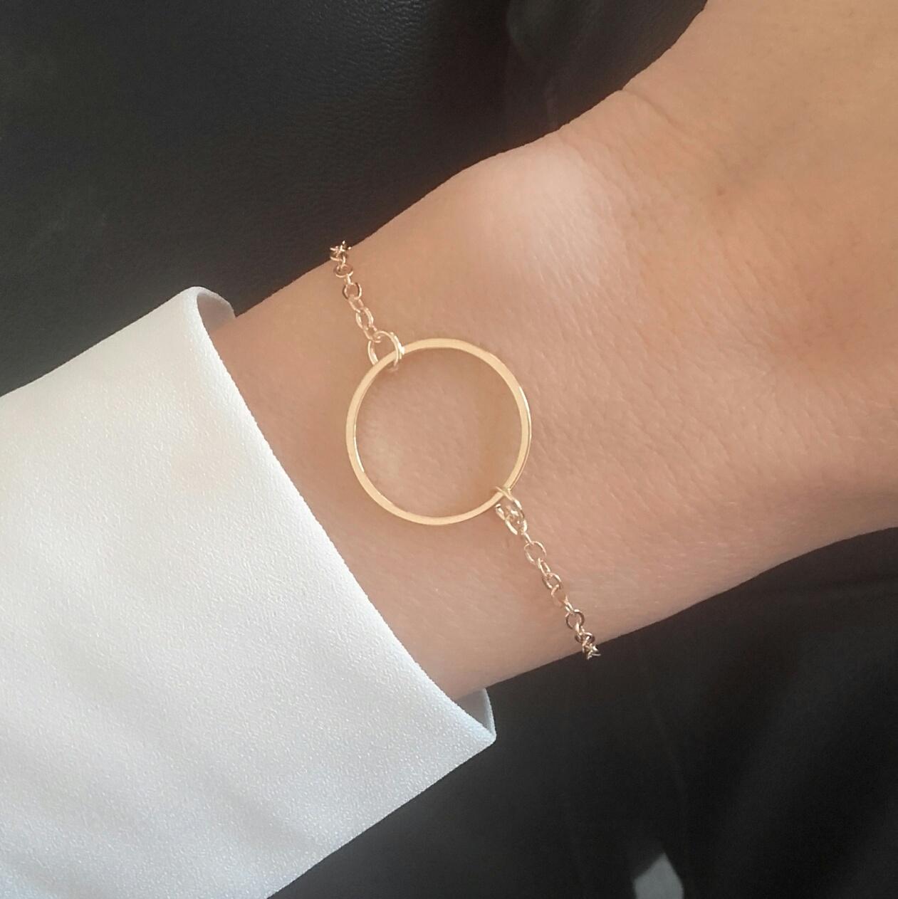id e cadeau soeur bracelet cercle bijoux fantaisie. Black Bedroom Furniture Sets. Home Design Ideas