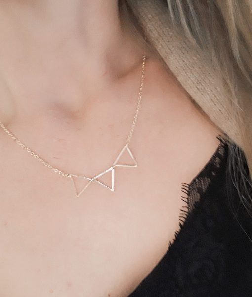 Collier 3 triangles