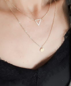 collier multi rangs triangle or