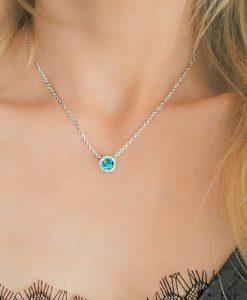 Idée cadeau - Collier pendentif avec zirconium