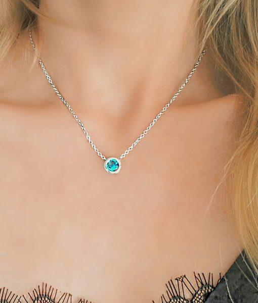 Idee cadeau femme – Collier pendentif avec zirconium
